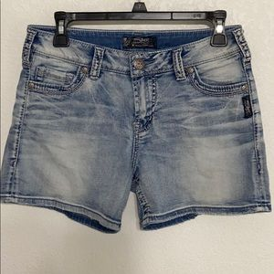 Silver Jeans Tuesday Mid-short Size 29